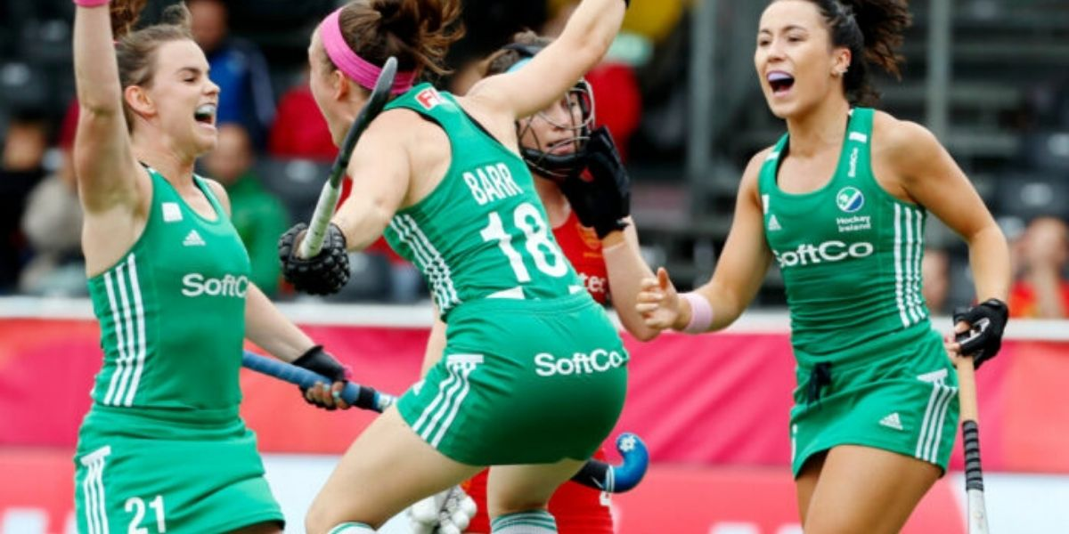Women's Hockey Back in the Limelight