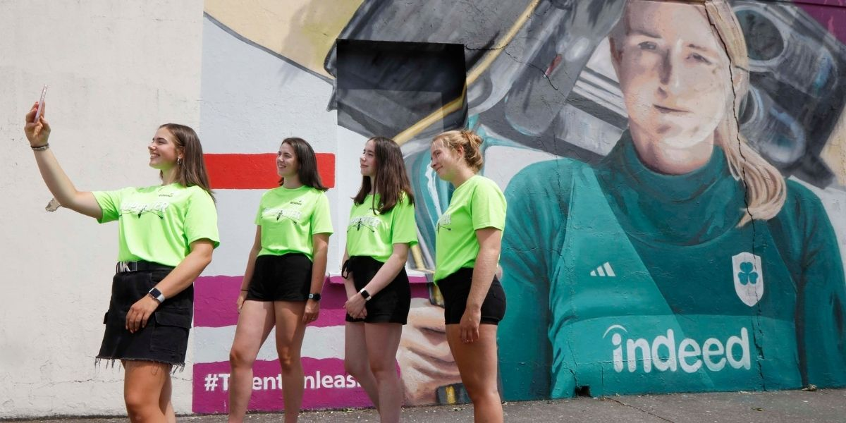 Murals Add to Olympic Support